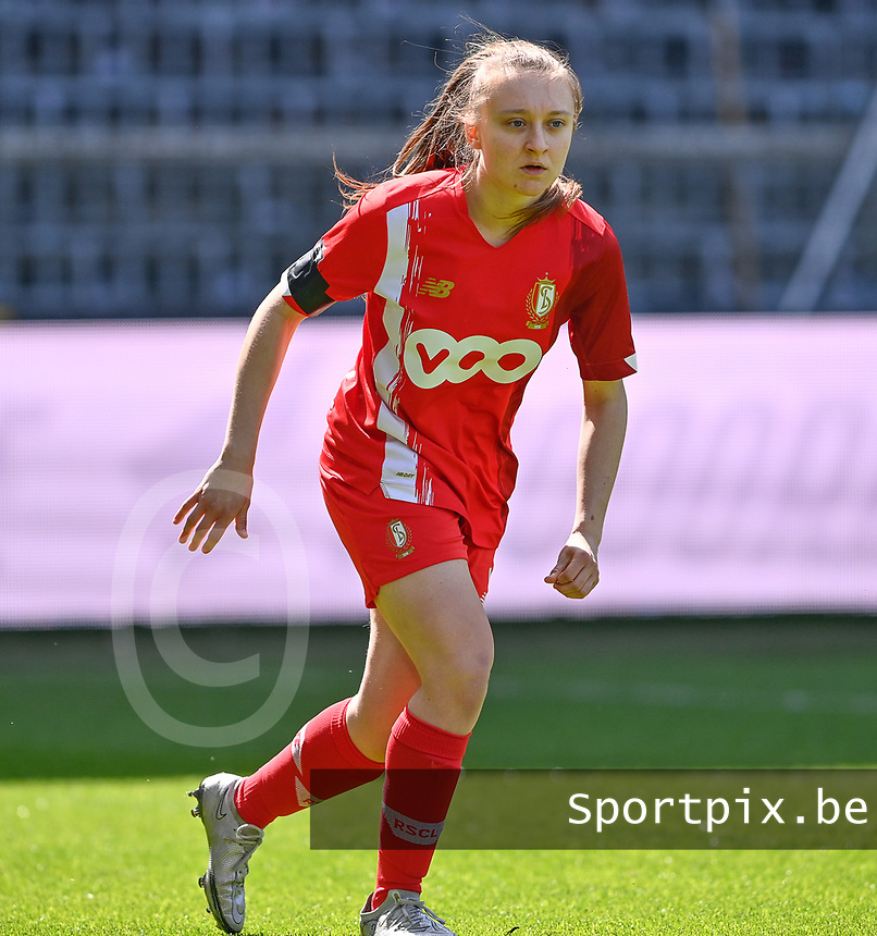 Gwyneth Vanaenrode (3) of Standard  pictured during a female soccer game between RSC Anderlecht Dames and Standard Femina De Liege on the third matchday of play off 1 of the 2020 - 2021 season of Belgian Womens Super League , saturday 24 th of April 2021  in Brussels , Belgium . PHOTO SPORTPIX.BE | SPP | DAVID CATRY
