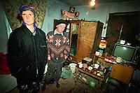 Tiraspol / Transnistria.<br /> Per le famiglie povere e numerose la vita è dura e si rimpiangono i tempi della vecchia Unione Sovietica. L'alcolismo dilaga e i bambini vengono spesso affidati agli 'internat'.Poor people living in very bad conditions.<br /> Photo Livio Senigalliesi