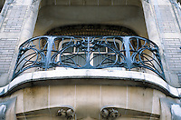 Hector Guimard: Hotel Mezzara, 60 Rue La Fontaine, Paris. Balcony. Photo  '90.