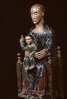 Europe/France/Auverne/63/Puy-de-Dôme/Clermont-Ferrand: La cathédrale Notre-Dame-de-l'Assomption - Détail vierge en majesté (XIIème siècle)