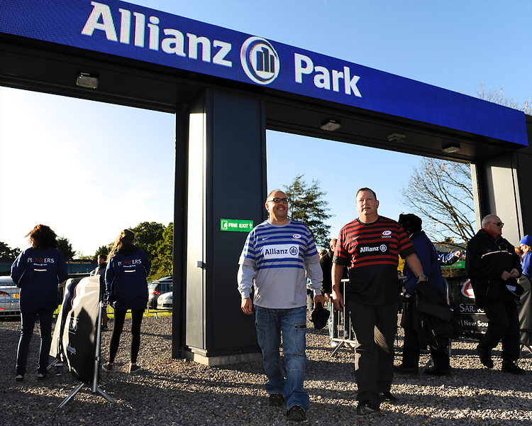 20131103 Copyright onEdition 2013©<br /> Free for editorial use image, please credit: onEdition<br /> <br /> Fans arriving at Allianz Park before the Premiership Rugby match between Saracens and Newcastle Falcons at Allianz Park on Sunday 3rd November 2013 (Photo by Rob Munro)<br /> <br /> For press contacts contact: Sam Feasey at brandRapport on M: +44 (0)7717 757114 E: SFeasey@brand-rapport.com<br /> <br /> If you require a higher resolution image or you have any other onEdition photographic enquiries, please contact onEdition on 0845 900 2 900 or email info@onEdition.com<br /> This image is copyright onEdition 2013©.<br /> This image has been supplied by onEdition and must be credited onEdition. The author is asserting his full Moral rights in relation to the publication of this image. Rights for onward transmission of any image or file is not granted or implied. Changing or deleting Copyright information is illegal as specified in the Copyright, Design and Patents Act 1988. If you are in any way unsure of your right to publish this image please contact onEdition on 0845 900 2 900 or email info@onEdition.com