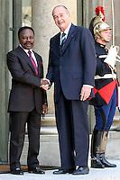 JACQUES CHIRAC recoit le PrÈsident du Gabon OMAR BONGO ‡ l'ElysÈe. #