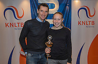 Hilversum, Netherlands, December 4, 2016, Winter Youth Circuit Masters, 2 nd  place girls 14 years Melissa Boyden with Fedcup  captain Paul Haarhuis.<br /> Photo: Tennisimages/Henk Koster