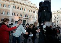 Avvocati lanciano in aria le loro toghe di fronte a Montecitorio, Roma, 28 novembre 2009, durante una protesta contro la riforma della professione forense..Italian lawyers throw their robes in front of the Lower Chamber, Rome, 28 november 2009, to protest against the reform of the legal profession..UPDATE IMAGES PRESS/Riccardo De Luca