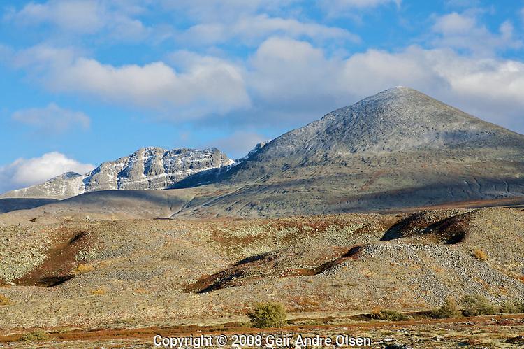 Norwegian mountains, Midtronden and Digerronden in Rondane National park
