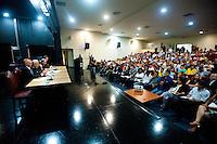 SÃO PAULO,SP, 19.11.2015 - EDUCAÇÃO - SP - O secretário estadual de educação Herman Voorwald  participa da audiência publica no TJ junto com alunos para decidir sobre as ocupações das escolas estaduais , no TJSP, no centro da cidade, nessa sexta-feira 19. (Foto: Gabriel Soares/Brazil Photo Press)