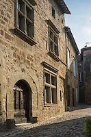 France, Aude (11), Caunes-Minervois: Ruelle médiévale //France, Aude, Caunes Minervois