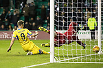 Hibs v St Johnstone…18.11.17…  Easter Road…  SPFL<br />Steven MacLean puts the ball past Ofir Marciano to win the game for saints<br />Picture by Graeme Hart. <br />Copyright Perthshire Picture Agency<br />Tel: 01738 623350  Mobile: 07990 594431