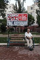 Le slogan -Encore Adiyaman -  La chaine Haber Turk stigmatisait la ville d'Adiyaman, soit disante fabricante de Kamikazes