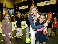 21-2-07,Tennis,Netherlands,Rotterdam,ABNAMROWTT,Michaella Krajicek entertains the kids on kidsday