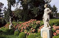 Park des Sakip Sabaci Müzezi am Bosporos in Emirgan bei Istanbul, Türkei