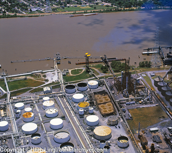 aerial photograph of the PBF Chalmette Refinery petroleum refinery at the Mississippi river, New Orleans, Louisiana