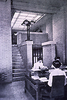 Frank Lloyd Wright: Dana House, Springfield, IL., 1902-1904. Interior view. (Photo Feb. 1988)