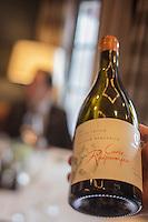 Europe/France/Rhone-Alpes/73/Savoie/Courchevel: Restaurant: Le White, au Cheval Blanc, le Jardin Alpin,  Service du Vin [Non destiné à un usage publicitaire - Not intended for an advertising use]