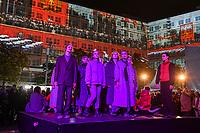 """In Berlin haben am Montagabend (04.11.2019) die Feierlichkeiten zum 30. Jubilaeum der friedlichen Revolution in der DDR und des Mauerfalls begonnen. Eroeffnet wurde die Festivalwoche auf dem Alexanderplatz vom Regierenden Buergermeister Michael Mueller (SPD). Dort waren erstmals grossflaechige 3D-Videoprojektionen mit historischen Filmaufnahmen zu den Ereignissen von 1989/1990 zu sehen.<br /> Im Bild: Das """"Theater der Revolution"""" spielt die Inszenierung """"Panzerkreuzer Rotkaeppchen"""".<br /> 4.11.2019, Berlin<br /> Copyright: Christian-Ditsch.de<br /> [Inhaltsveraendernde Manipulation des Fotos nur nach ausdruecklicher Genehmigung des Fotografen. Vereinbarungen ueber Abtretung von Persoenlichkeitsrechten/Model Release der abgebildeten Person/Personen liegen nicht vor. NO MODEL RELEASE! Nur fuer Redaktionelle Zwecke. Don't publish without copyright Christian-Ditsch.de, Veroeffentlichung nur mit Fotografennennung, sowie gegen Honorar, MwSt. und Beleg. Konto: I N G - D i B a, IBAN DE58500105175400192269, BIC INGDDEFFXXX, Kontakt: post@christian-ditsch.de<br /> Bei der Bearbeitung der Dateiinformationen darf die Urheberkennzeichnung in den EXIF- und  IPTC-Daten nicht entfernt werden, diese sind in digitalen Medien nach §95c UrhG rechtlich geschuetzt. Der Urhebervermerk wird gemaess §13 UrhG verlangt.]"""