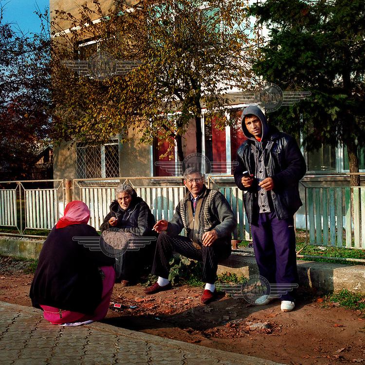 Roma gypsies in the village of Mihailesti.