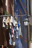 Europe/France/Provence-Alpes-Côtes d'Azur/06/Alpes-Maritimes/Alpes-Maritimes/Arrière Pays Niçois/La Brigue: Détail maison dans une ruelle prés de la collégiale St-Martin
