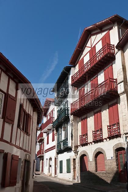 Europe/France/Aquitaine/64/Pyrénées-Atlantiques/Pays-Basque/Ciboure:  Maisons labourdines rue Agorette
