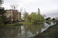 Una veduta di Villa Foscari dal Naviglio del Brenta, a Malcontenta, frazione di Mira, nei pressi di Venezia.<br /> View of Villa Foscari, from the Brenta canal, in Malcontenta, frazione of Mira, near Venezia.<br /> UPDATE IMAGES PRESS/Riccardo De Luca