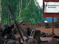 TSCHECHIEN, 07.2006 .Rozna bei Zdar nad Sazavou.Kontaminierter Schrott (Foerderloren) einer zum Rozna-Komplex gehoerenden stillgelegten Uran-Mine. Rozna ist das letzte in Betrieb befindliche Uran-Bergwerk in Mitteleuropa, es wurde 1957 eroeffnet. Der Uranbergbau in der Tschechoslowakei startete 1946 auf direktes Geheiss der Sowjetunion, welche das Material fuer ihre Atombomben brauchte..© Vaclav Vasku/EST&OST.Contaminated scrap material at an abandoned uranium mine belonging to the Rozna complex near the city of Zdar nad Sazavou. Rozna is the site of the last deep uranium mine in operation in Central Europe. Uranium is mined here since 1957. Uranium mining in former Czechoslovakia started in 1946 with a direct order by the Soviet Union which needed the material for its atomic bombs.