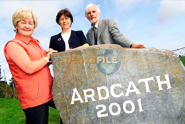 Anne Whyte, president Ardcath ICA, Geraldine Kearns, secetary with sculptor Thomas Cooney..Picture: Paul Mohan/Newsfile