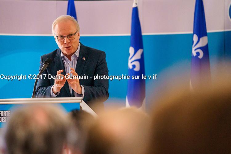 Investiture pequiste dans Candiac en presence du chef du PQ Jean-Francois Lisee et de la candidate dans Laprairie Cathy Lepage, le 25 mars 2018  au  Complexe Romeo-V.-Patenaude a Candiac<br /> <br /> PHOTO : Agence Quebec Presse <br /> <br /> <br /> <br /> <br /> <br /> <br /> <br /> PHOTO :   Agence Quebec Presse