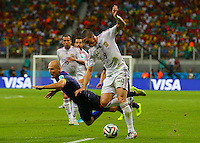 Fernando Torres of Spain and Arjen Robben of Netherlands in action