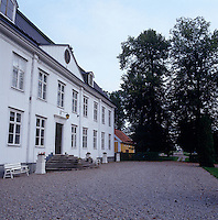 The gravel approach to this grand Swedish country house