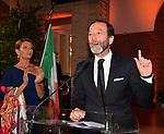 L'AMBASCIATORE VIKTOR ELBLING  CON LA MOGLIE NURIA SANZ<br /> FESTA RIUNIFICAZIONE TEDESCA A VILLA ALMONE ROMA OTTOBRE 2019