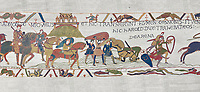 Bayeux Tapestry scene 17 : Crossing the Couesnon River near Mont St Michele, Duke Williams Soldiers sink in quicksand. BYX17