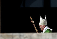Pope Francis arrives to celebrates a mass for World Day of Migrants and Refugees at St. Peter's Square at the Vatican on September 29, 2019 <br /> UPDATE IMAGES PRESS/Isabella Bonotto<br /> <br /> STRICTLY ONLY FOR EDITORIAL USE