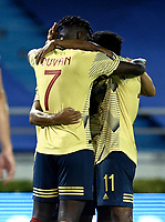 BARRANQUILLA – COLOMBIA, 09 –10-2020: Jugadores de Colombia (COL) celebran el segundo gol anotado a Venezuela (VEN), durante partido entre los seleccionados de Colombia (COL) y Venezuela (VEN), de la fecha 1 por la clasificatoria a la Copa Mundo FIFA Catar 2022, jugado en el estadio Metropolitano Roberto Melendez en la ciudad de Barranquilla. / Players of Colombia (COL) celebrate the second scored goal to Venezuela during match between the teams of Colombia (COL) and Venezuela (VEN), of the 1st date for the FIFA World Cup Qatar 2022 Qualifier,  played at Metropolitan stadium Roberto Melendez in Barranquilla city. Photo: VizzorImage / Julian Medina FCF / Cont.