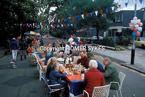 Silver Jubilee celebrations, London 1977. Hampstead a  wealthy neighbourhood in north London 1970s.