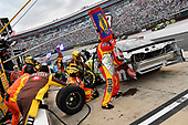 #18: Kyle Busch, Joe Gibbs Racing, Toyota Camry M&M's White Chocolate crew