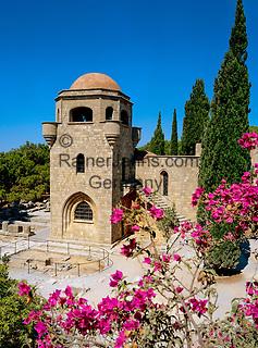 Griechenland, Dodekanes, Rhodos, bei Rhodos-Stadt: ehemalige Klosterkirche des Johanniterordens auf dem 267 m hohen Huegel Filerimos | Greece, Dodekanes, Rhodes, near Rhodes-City: Monastery (Knights' Church) on top of Filerimos Hill