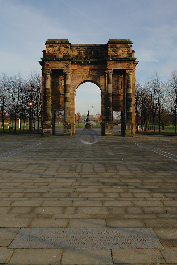 The Maclennan Archway at the entrance of Glasgow Green, Glasgow<br /> <br /> Copyright www.scottishhorizons.co.uk/Keith Fergus 2011 All Rights Reserved