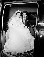 Mariage catholique. Septembre1952.<br /> <br /> PHOTO :  Agence Quebec Presse
