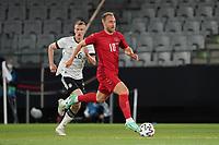 Christian Eriksen (Dänemark, Denmark) gegen Lukas Klostermann (Deutschland Germany) - Innsbruck 02.06.2021: Deutschland vs. Daenemark, Tivoli Stadion Innsbruck