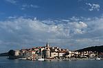 Crosière en goélette en Croatie.  Iles de la Dalmatie.Ile de Korcula. Port de Korcula.Korcula island. Korcula harbour.Cruise in Croatia. Island of Dalmatia