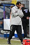 28.09.2020, Benteler-Arena, Paderborn, GER, 2. FBL SC Paderborn 07 vs. Hamburger SV<br />  <br />im Bild<br />Trainer Daniel Thioune (Hamburger SV) nachdenklich, grübelnd,<br /><br />DFL regulations prohibit any use of photographs as image sequences and/or quasi-video. <br /><br />Foto © nordphoto / Paetzel