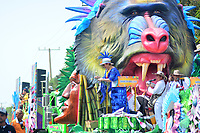 BARRANQUILLA - COLOMBIA, 02-03-2019: Una carroza anima la fiesta durante el desfile Batalla de Flores del Carnaval de Barranquilla 2019, patrimonio inmaterial de la humanidad, que se lleva a cabo entre el 2 y el 5 de marzo de 2019 en la ciudad de Barranquilla. / A float cheer the party during the Batalla de las Flores as part of the Barranquilla Carnival 2019, intangible heritage of mankind, that be held between March 2 to 5, 2019, at Barranquilla city. Photo: VizzorImage / Alfonso Cervantes / Cont.