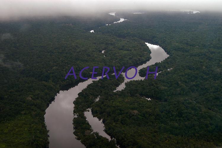 Rio Juma afluente do rio Madeira.<br /> <br /> Garimpo do Juma,  descoberto em Novo Aripuanã, no sul do Amazonas,  igarapé da Preciosa, um afluente do rio Juma (a 70 km da cidade de ApuÌ) vai crescendo com dezenas de buracos abertos sob a selva.<br /> Novo Aripuanã, Amazonas, Brasil<br /> 31/01/2007<br /> Foto Paulo Santos/
