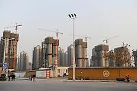 CHINA Province Shaanxi city Xian, construction site of satellite city / CHINA Provinz Shaanxi Stadt Xian, Neubau von Wohnvierteln am Stadtrand
