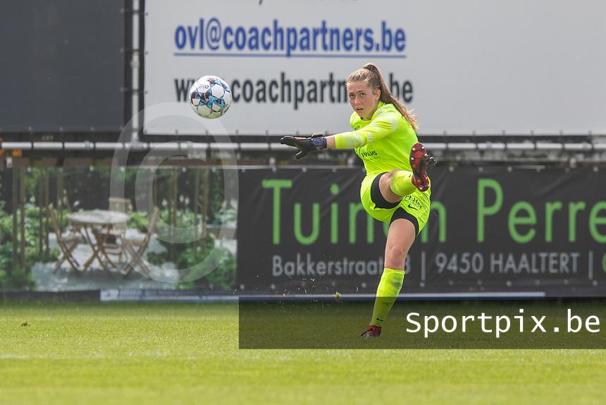 goalkeeper Aukje Van Seijst (1) of KRC Genk pictured during a female soccer game between Eendracht Aalst and KRC Genk on the third matchday of the 2021 - 2022 season of Belgian Scooore Womens Super League , Saturday 4 September 2021  in Aalst , Belgium . PHOTO SPORTPIX |  KRISTOF DE MOOR