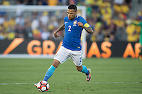 action photo during the match Brasil vs Ecuador, at Rose Bowl Stadium Copa America Centenario 2016. ---Foto  de accion durante el partido Brasil vs Ecuador, En el Estadio Rose Bowl, Partido Correspondiante al Grupo -B-  de la Copa America Centenario USA 2016, en la foto: Dani Alves<br /> --- 04/06/2016/MEXSPORT/ David Leah.