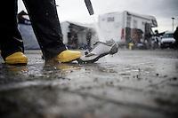 post-race shoe wash<br /> <br /> Soudal Classic Leuven 2016