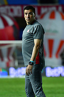 CALI – COLOMBIA, 15-11-2020: Juan Cruz Real director técnico del América durante el partido entre América de Cali y La Equidad por la fecha 20 de la Liga BetPlay DIMAYOR I 2020 jugado en el estadio Pascual Guerrero de la ciudad de Cali. / Juan Cruz Real coach of Cali during match between America de Cali and La Equidad for the date 20 as part of BetPlay DIMAYOR League I 2020 played at the Pascual Guerrero stadium in Cali city. Photos: VizzorImage / Nelson Rios / Cont.