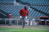Yoel Yanqui (41) of the Arizona Diamondbacks sprints down the first base line during an Instructional League game against the Kansas City Royals at Chase Field on October 14, 2017 in Phoenix, Arizona. (Zachary Lucy/Four Seam Images)