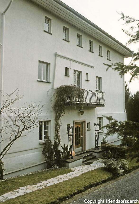 Josef Maria Olbrecht: Habich House, Darmstadt 1901. Facade. Photo '87.