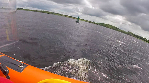 Lough Derg RNLI approaches the cruiser inside the G navigation mark on Thursday afternoon 17 June
